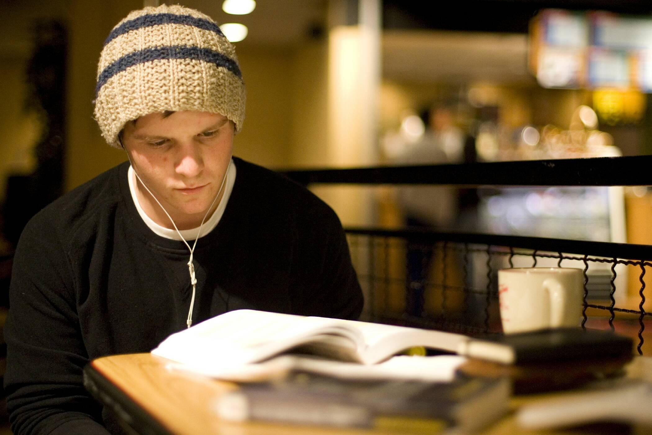 student, study, mp3, headphones, audio, hypnosis, exam, anxiety, university, school, college
